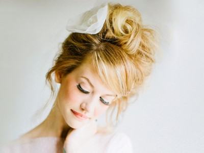 24 Airy and Loose Natural Bridal Hairstyles