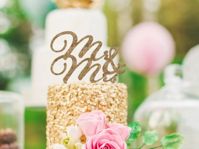 Creative and Affordable – 26 Show Stopping Cake Toppers!