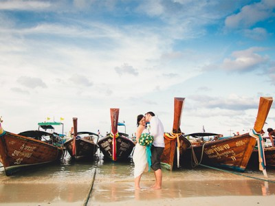 30 Stunning Destination Wedding & Engagement Photos