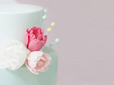 12 Feminine Wedding Cakes