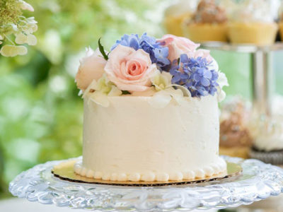 Fresh Floral Cake Decoration