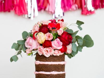 13 Beautiful Naked Wedding Cakes