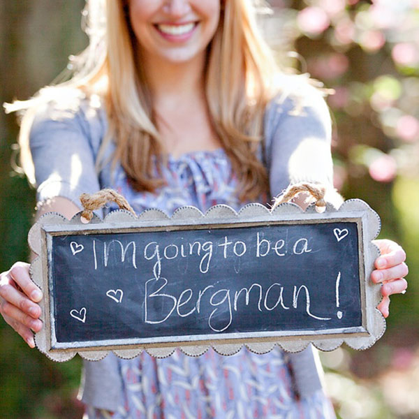 Creative Ways To Announce Engagement: 15 Most Creative Engagement Announcement Photos