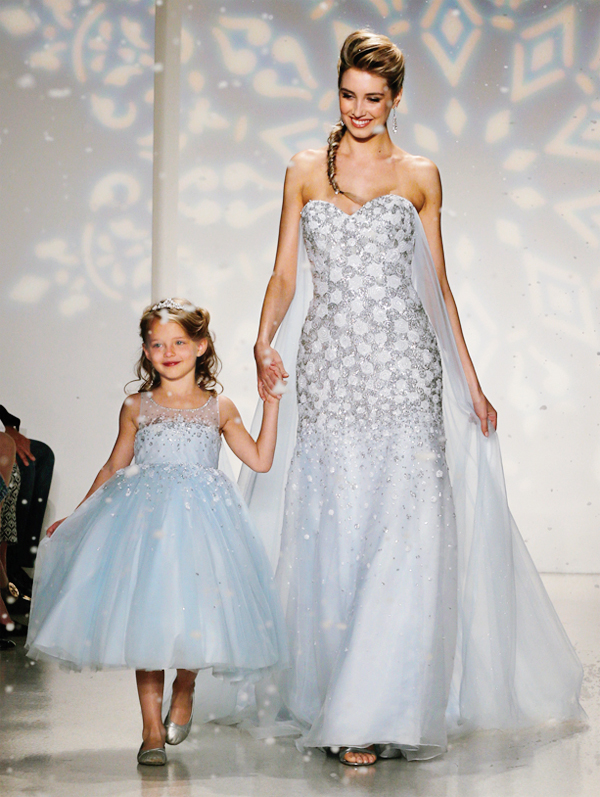 Frozen inspired wedding dress the image for Doctor who themed wedding dresses