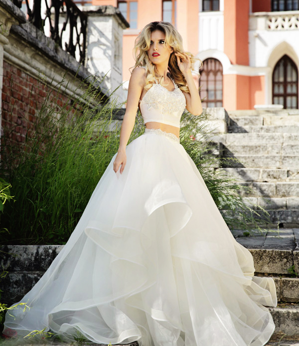 20 unconventional whimsical wedding dresses praise wedding 04 roberto motti 20153 junglespirit Choice Image