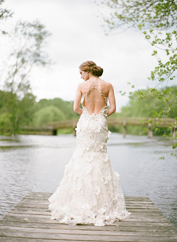 20 Unconventional Whimsical Wedding Dresses - Praise Wedding