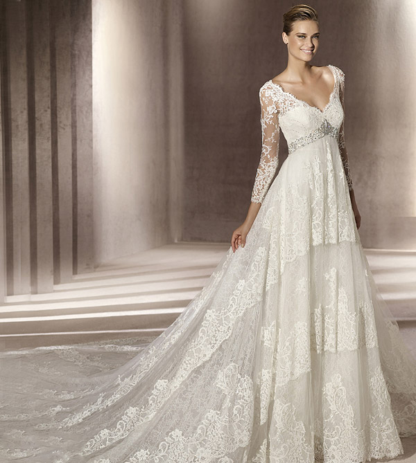 15 Manuel Mota Eclipse Wedding Dress