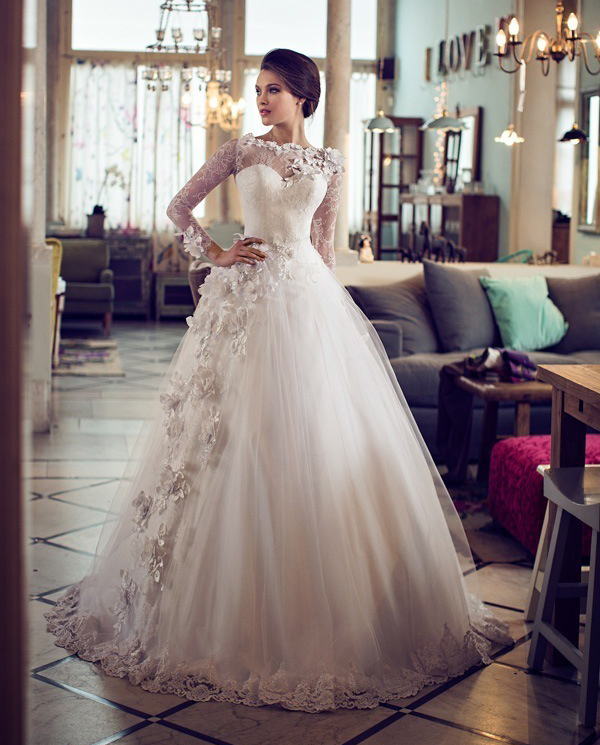 5297f97b0e68 20 Swoonworthy Wedding Dresses Inspired by Flowers - Praise Wedding