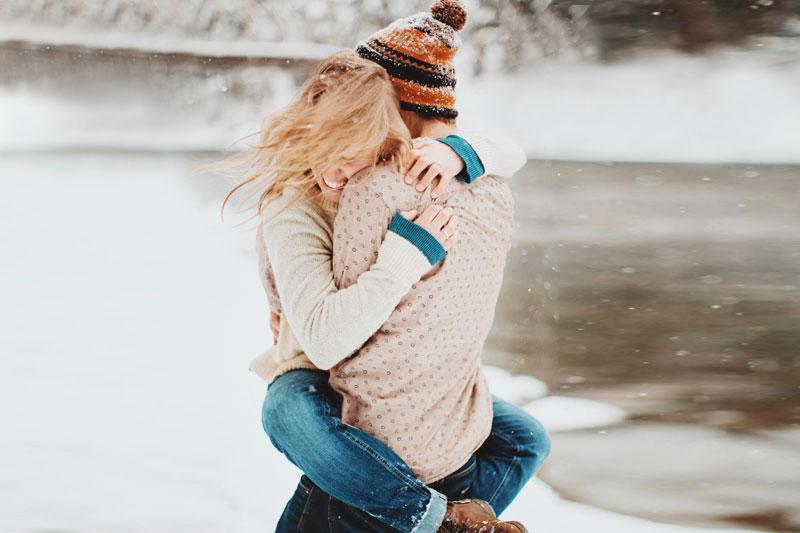 20 Cute Christmas Photo Ideas For Couples To Show Love Praise Wedding