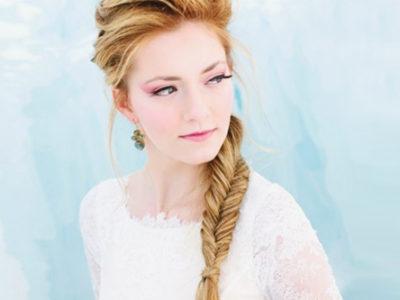 22 Beautiful Winter & Frozen-Inspired Hairstyles