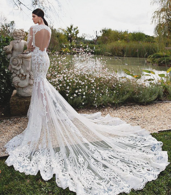 30 Beautiful Wedding Dresses with Impressive Trains - Praise Wedding