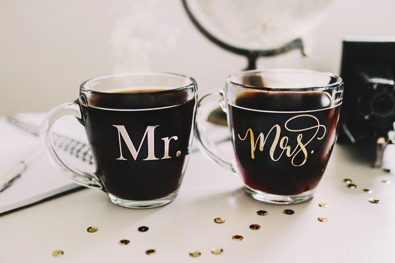 03-Mr and Mrs Mug set