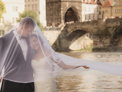 Romantic Prague Pre-Wedding Package Deal from Roger Wu!