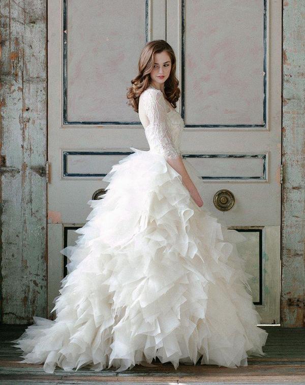 20 Utterly Romantic Ruffled Wedding Dresses You Will Love! - Praise ...