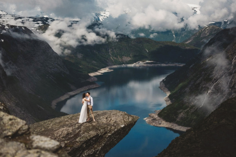 01-SRT-Studio-(Trolltunga-Norway)