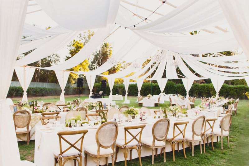 Rain or Shine the Wedding is On! 21 Beautiful Ways to Decorate Your Wedding Tent! - Praise Wedding & Rain or Shine the Wedding is On! 21 Beautiful Ways to Decorate ...