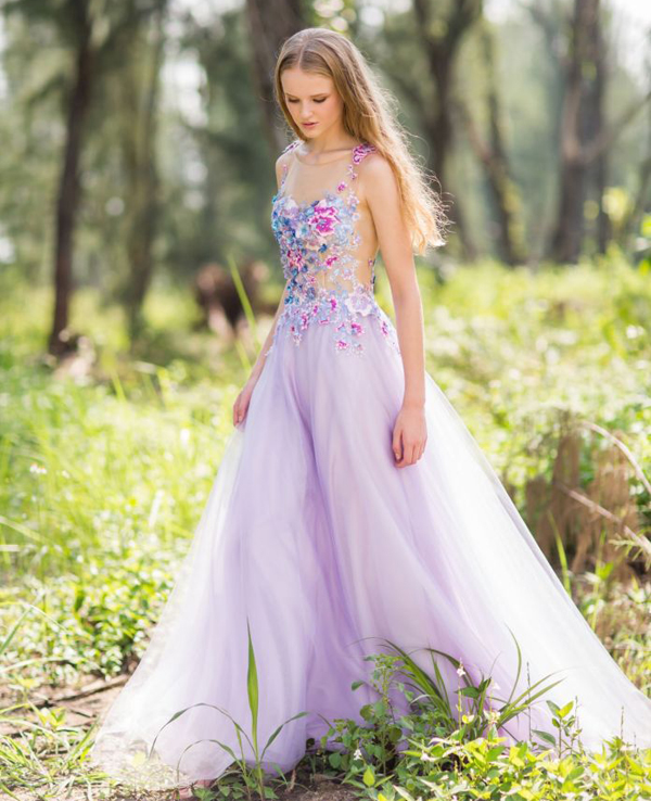 22 gorgeous floral wedding dresses blooming with new details 07 divinecouture0116 junglespirit Choice Image