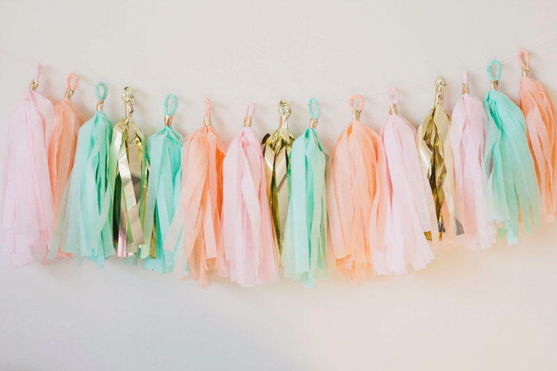 04-Love Garlands Pink Mint Gold Tassel