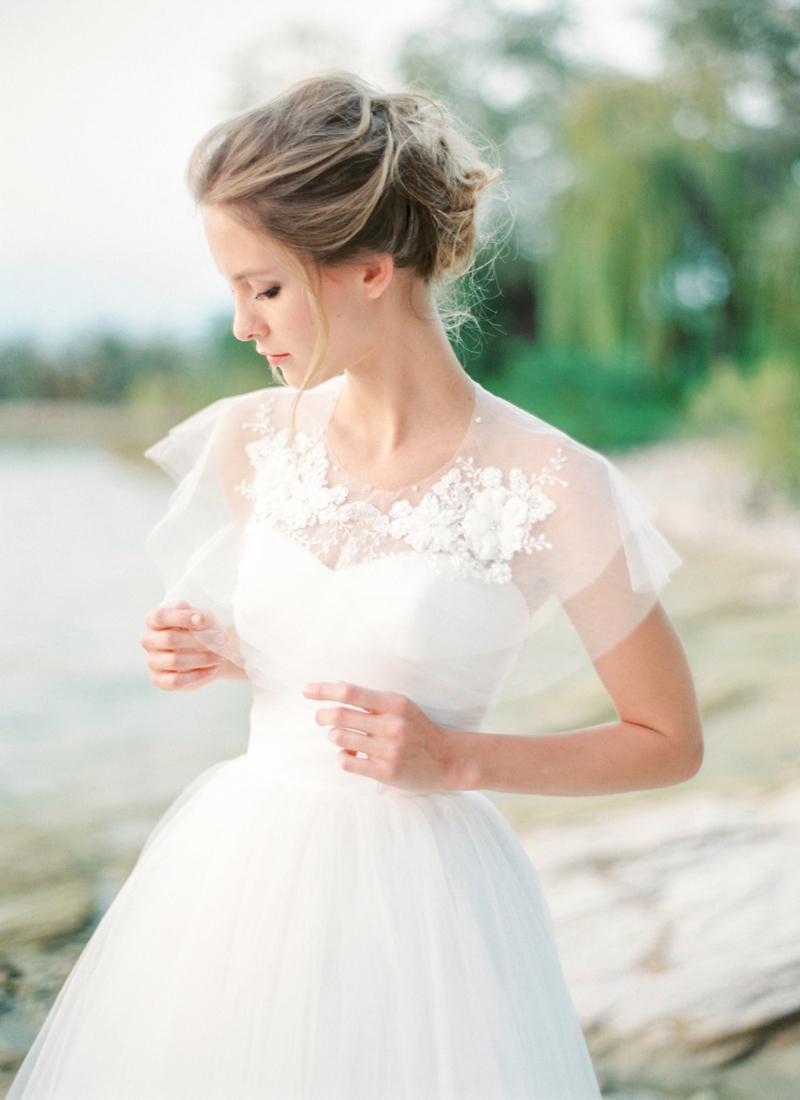 10-Lace Bridal Capelet