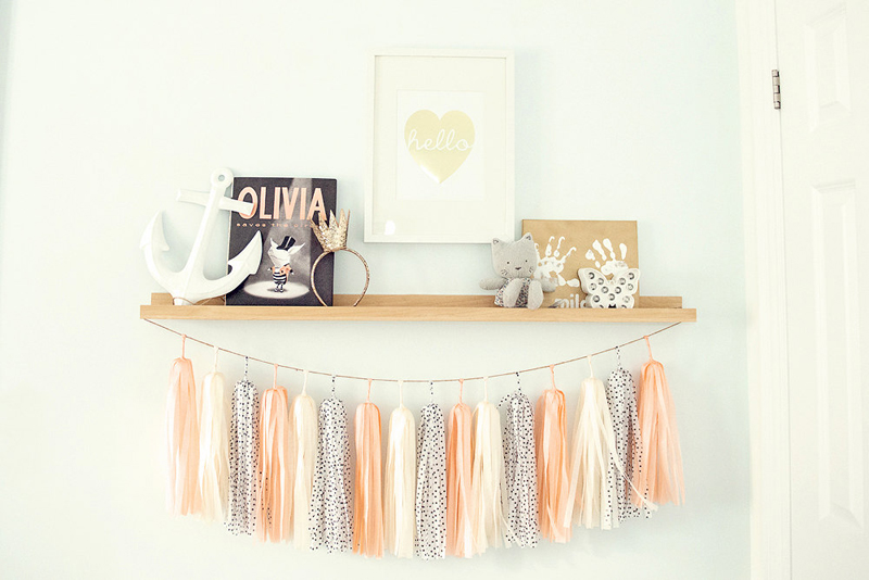 18-GenWoo Cream Peach Tassel Garland