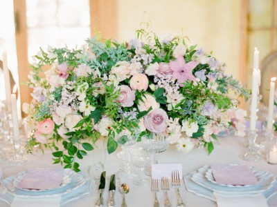 22 Romantic Fresh Flower Centerpiece Ideas For Spring Weddings!
