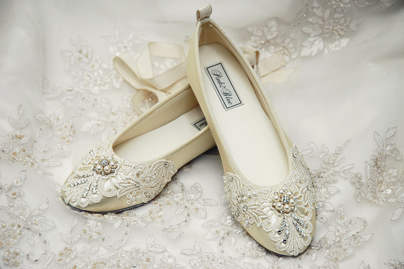 19 Pairs Of Wedding Flats To Keep You Comfy and Beautiful! - Praise ...