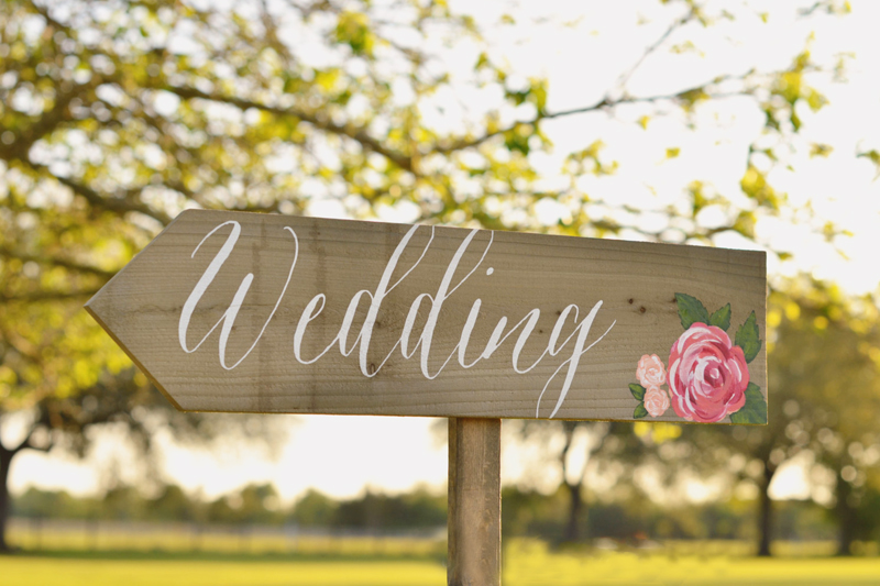 22 Creative Wedding Signs Your Guests Will Love Praise Wedding
