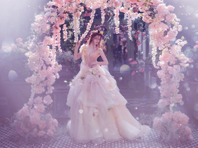 32 Whimsical and Ethereal Wedding Dresses for Fairy Tale Brides ...