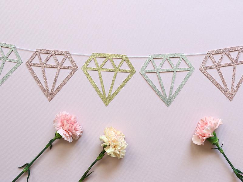 08-diamond-glitter-banner