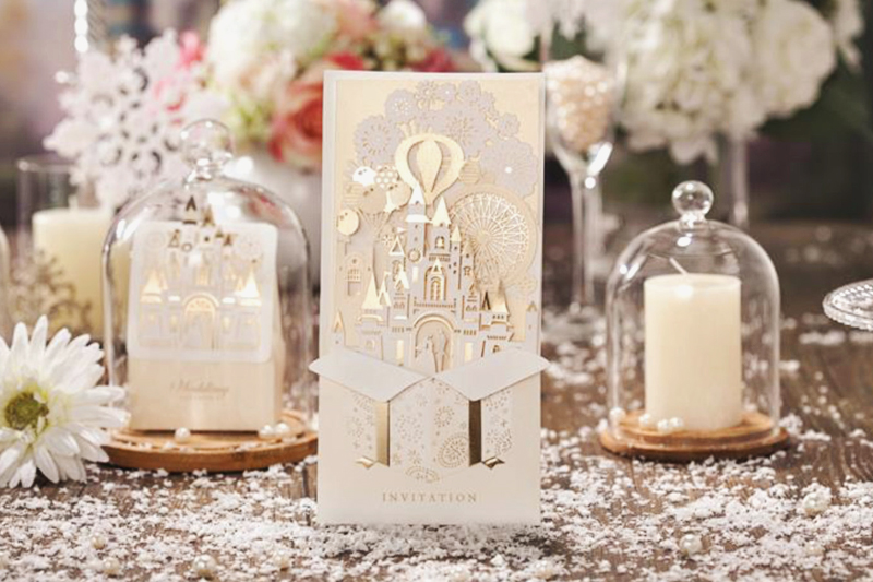 14-gold-fantastic-castle-invitation