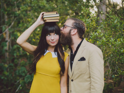 30 Unique Engagement Photo Ideas for Art Enthusiasts and Hipsters!
