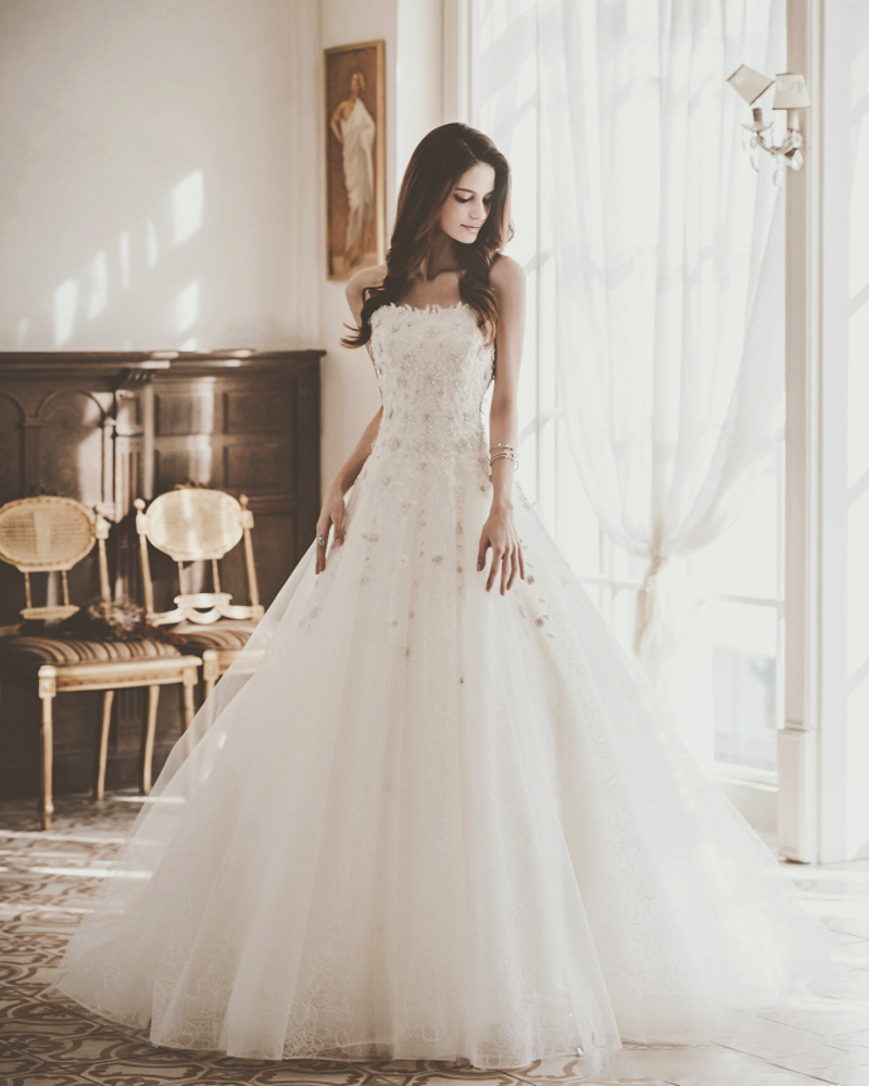 20 ultra romantic wedding dresses with a dash of sweet modern 01 bonheur sposa jh045 com ombrellifo Choice Image