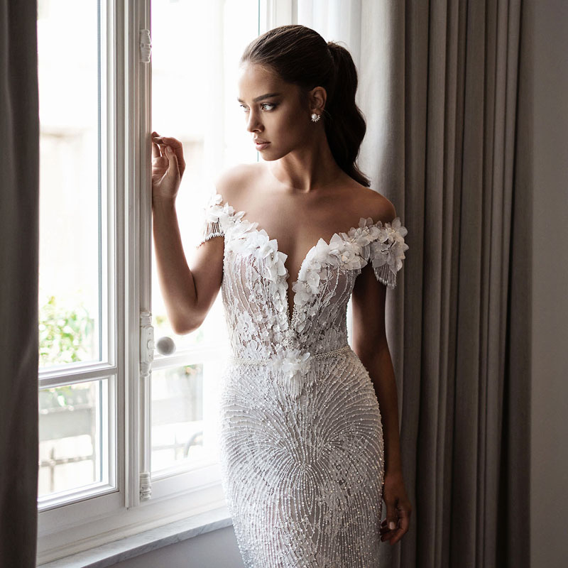 20 Sexy But Classy Wedding Dresses That Will Take His