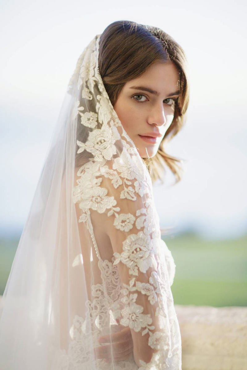 01Florentina Embroidered Cathedral Veil
