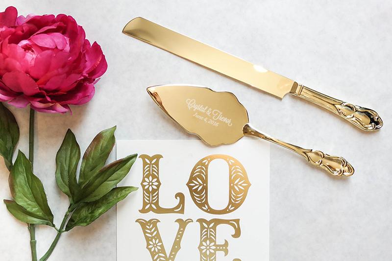 05-Personalized Gold Wedding Cake Knife