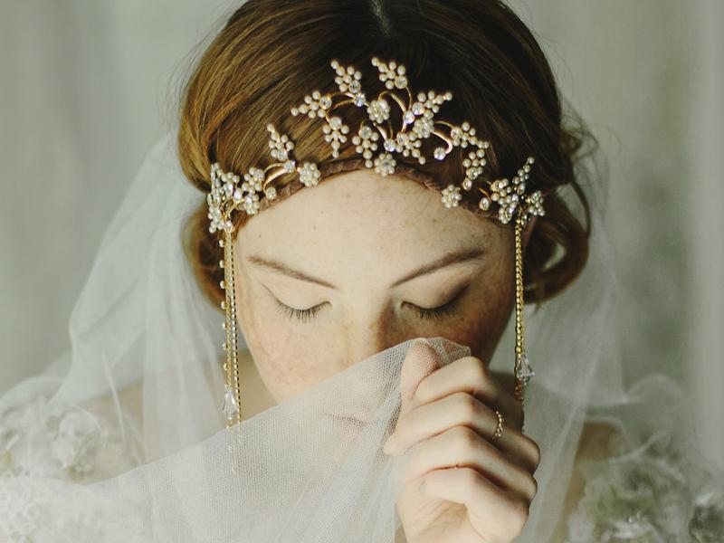 08-1920s Flapper Wedding Crown
