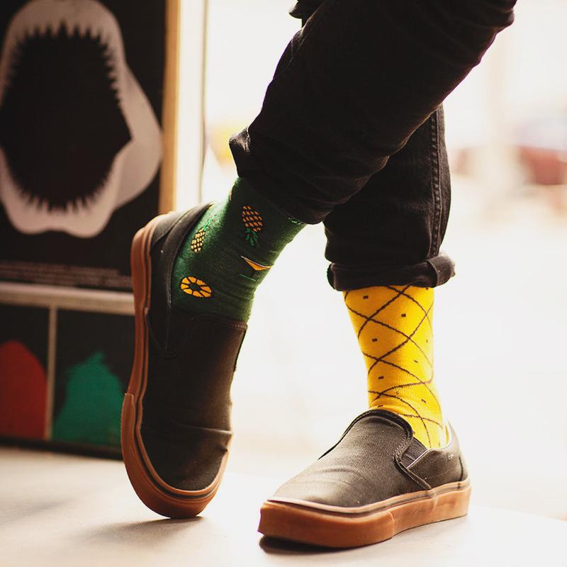10-Tropical Pineapples Socks
