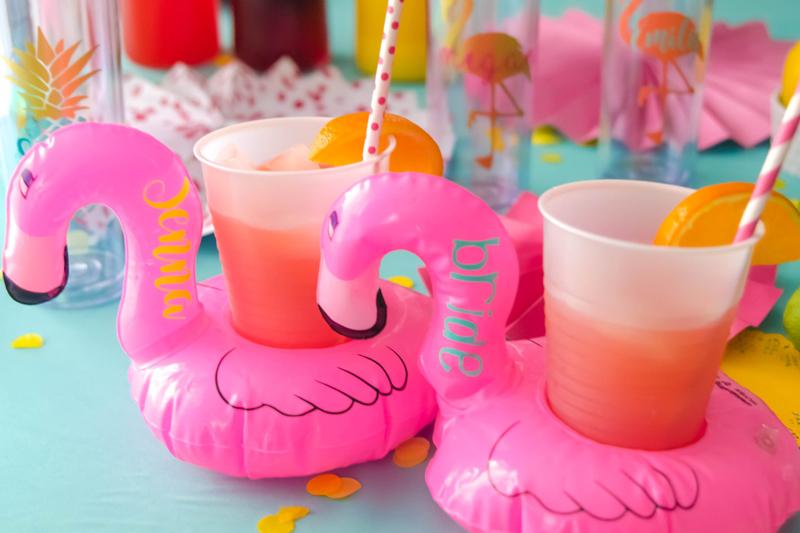 10-Flamingo Beverage Hugger