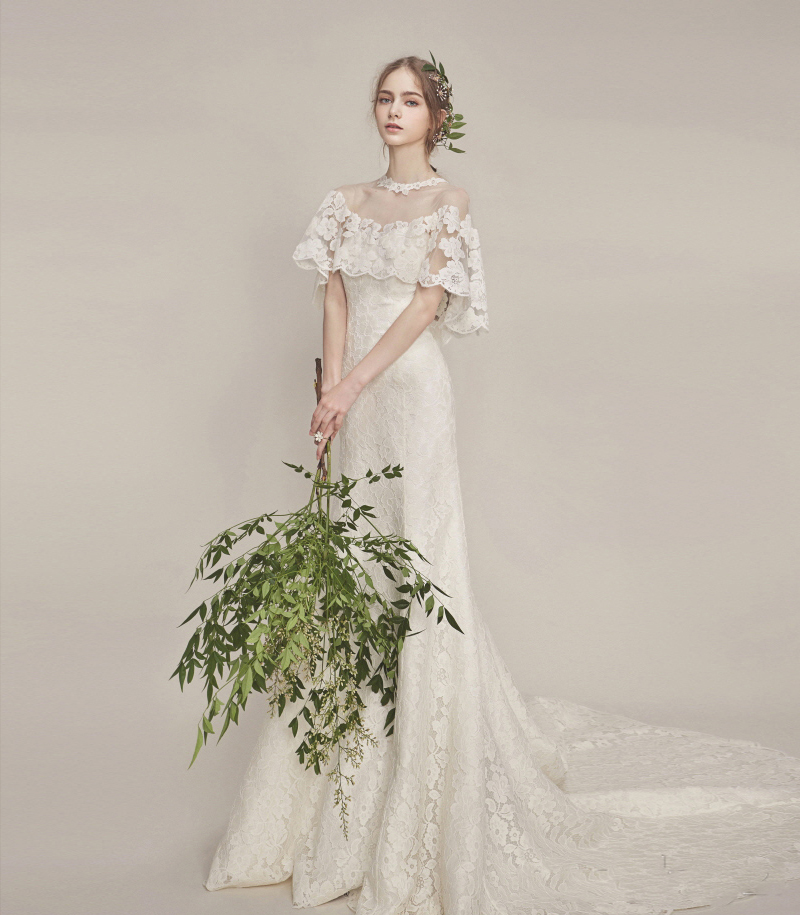 23 Beautiful Vintage-Inspired Wedding Dresses That Bring A