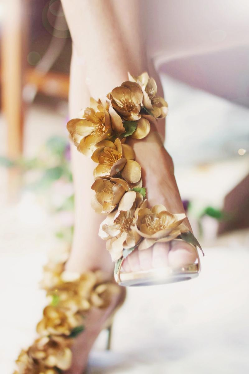 07-Pretty Rock Girl Gold Wedding Pump