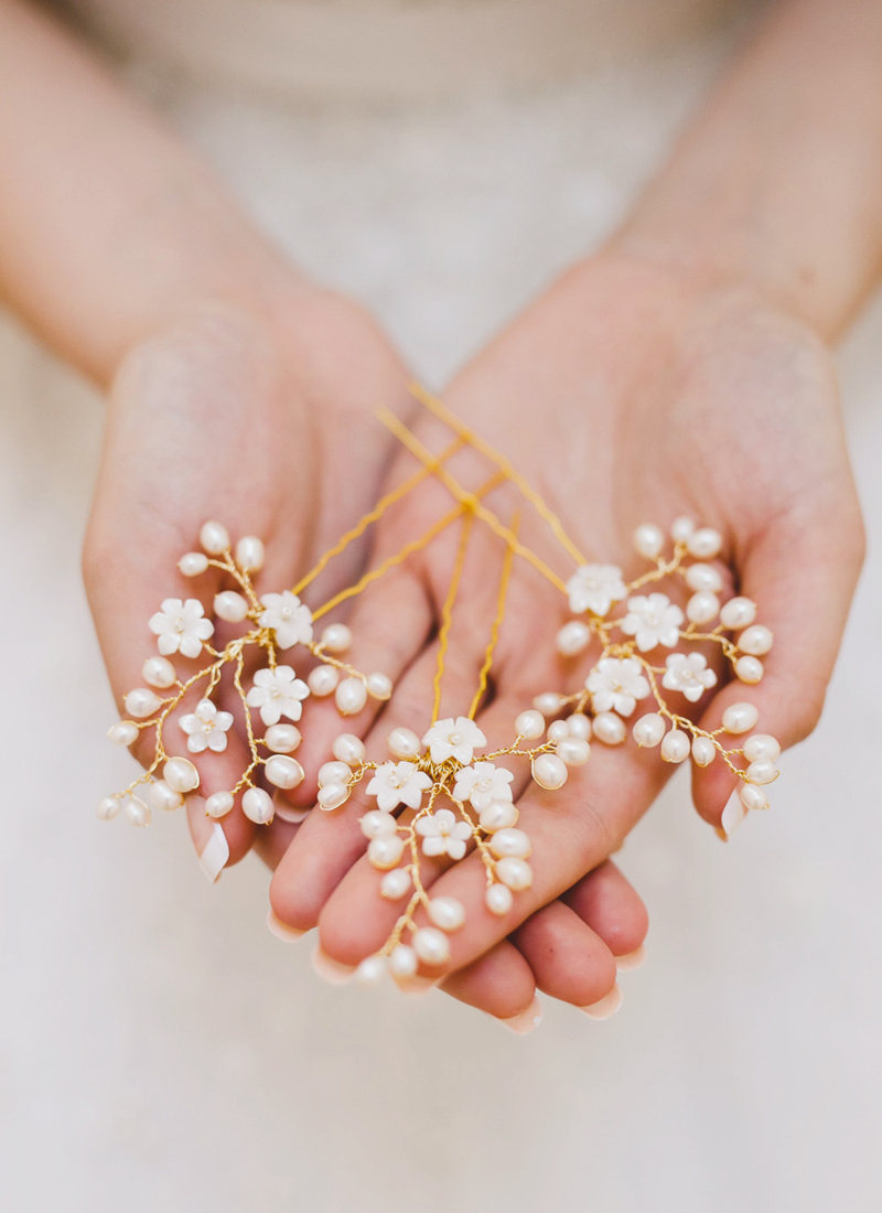 08-Golden Pearl Hair Pins