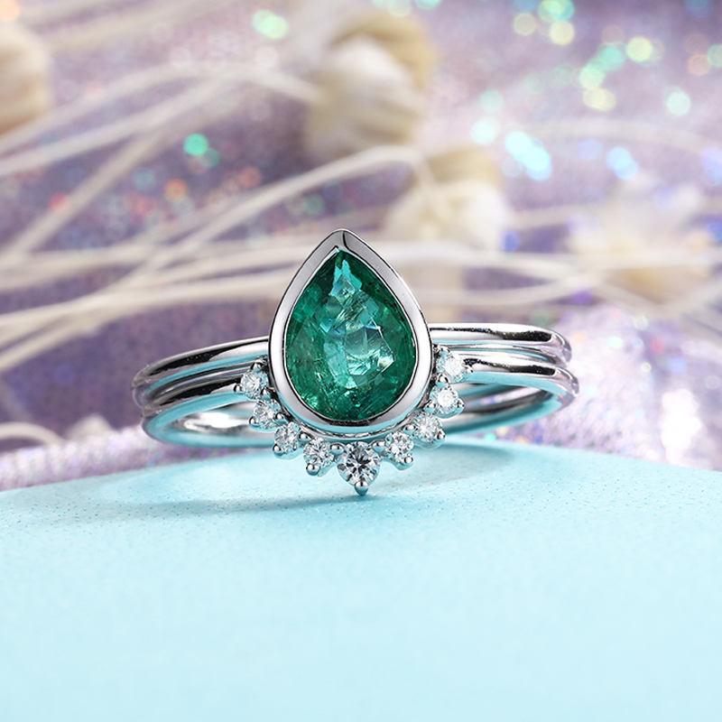 12-Emerald Engagement Ring Pear Cut