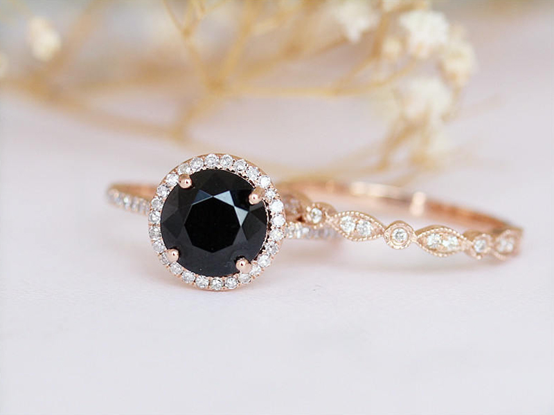 18-8mm Round Cut Black Spinel Engagement Ring