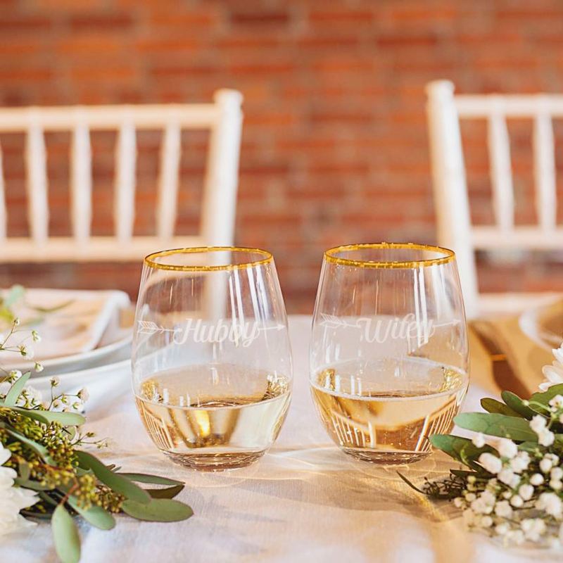 10-HubbyWifey Set of 2 Gold Rimmed Glasses