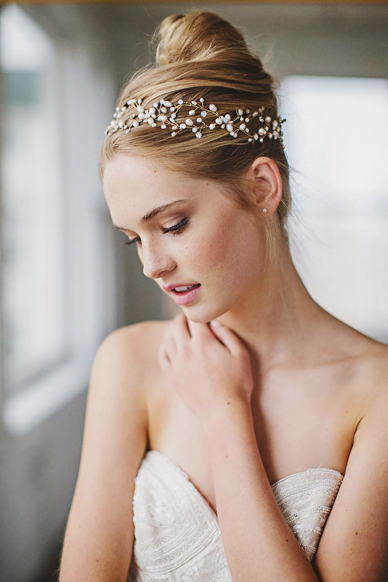 14-Jeweled Halo & Sash