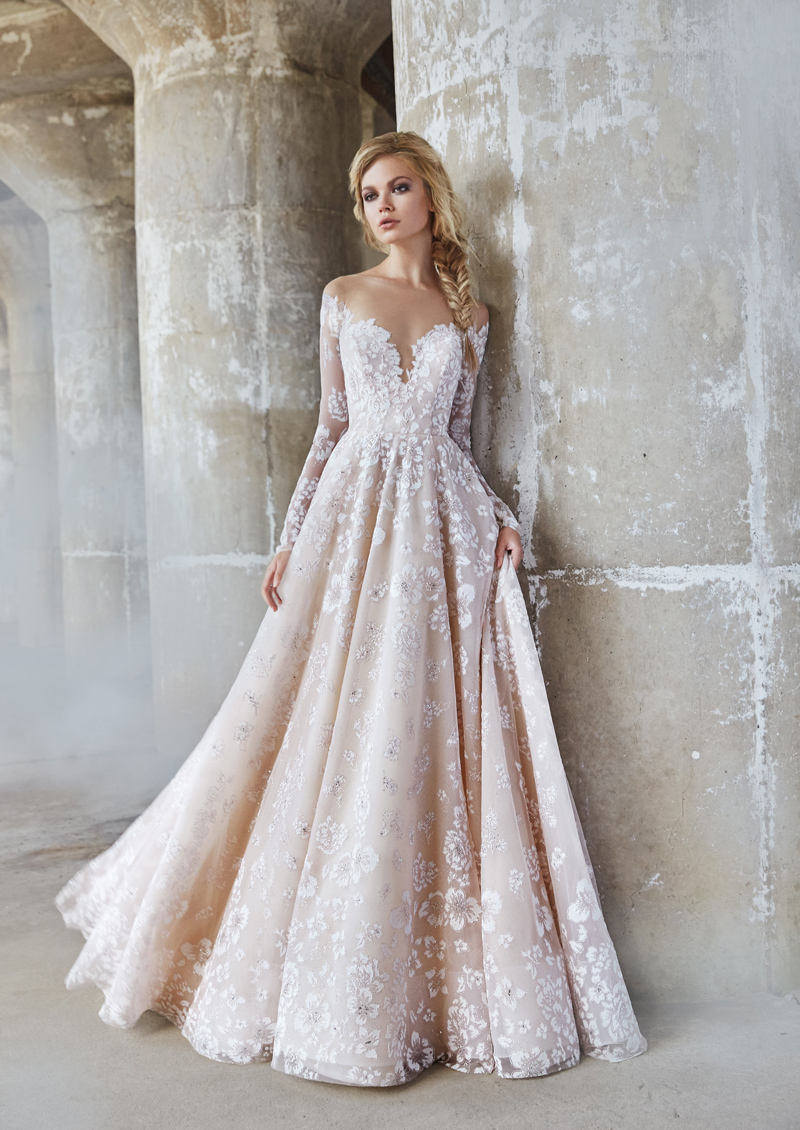 20 Romantic Enchanted Wedding Dresses for Modern Brides - Praise Wedding