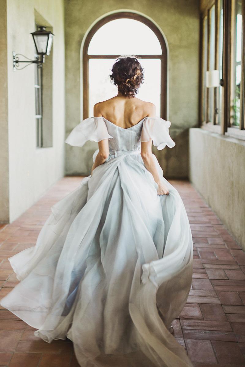 18-Leanne Marshall (Rustic White Photography)010618(bridal-portrait-dress)