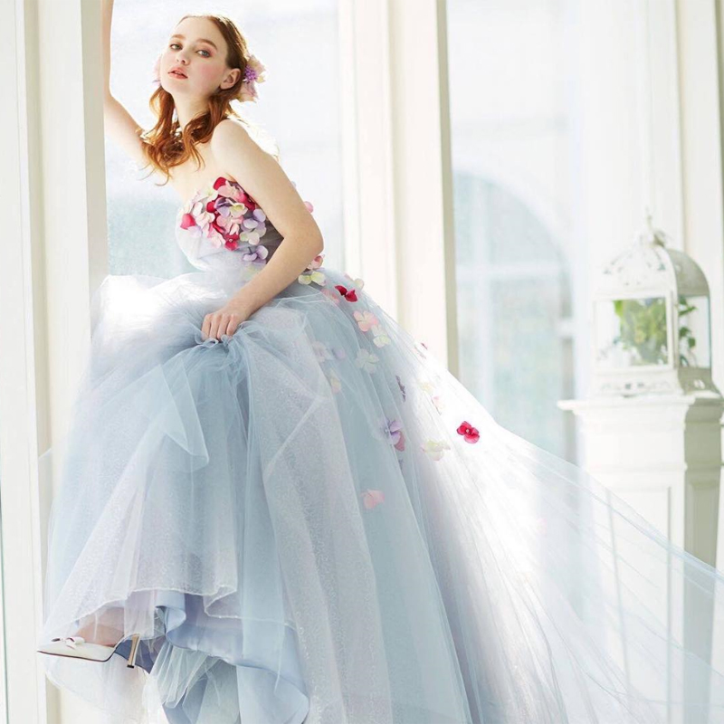 23 Wedding Dresses With Lively Details That Move With The Bride ...