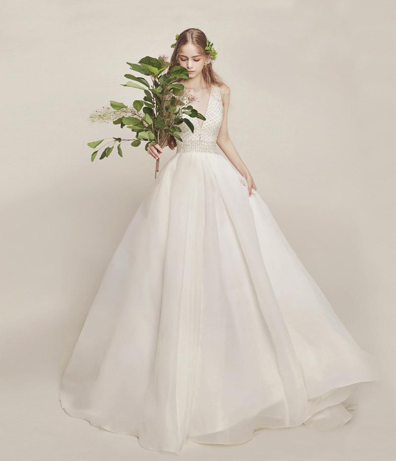 16-Métier Couture (instagram.com-metier_pedy) 081617(dress)