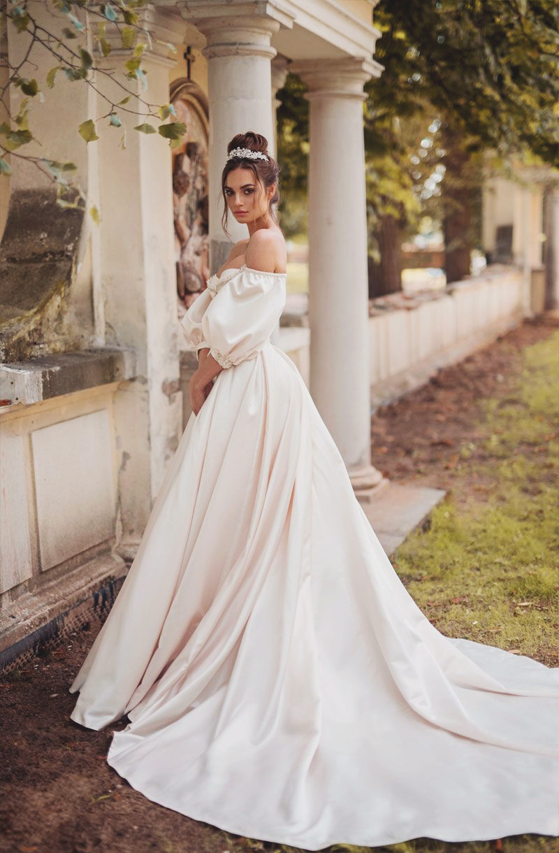 18 vintage inspired puff sleeve wedding dresses that make a timeless dress blammo biamo junglespirit Gallery